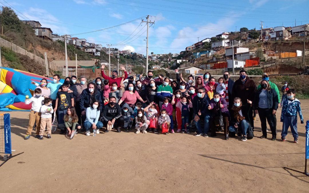 Celebración del día de la niñez en Felipe Camiroaga